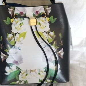 🍒NWT🍒 TED BAKER FLORAL BUCKET BAG
